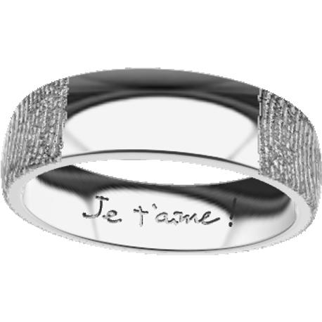 Personalized wedding band, 5.5 mm wide, finger size 7.5, cast in platinum 900, with 2 fingerprints and 1 handwriting.
